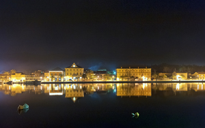 Stari_grad_by_night_middle
