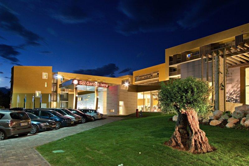 2018.06.27-07.20. és 08.19 - 09.09. között / 5 éj 2 fő részére a Sol Garden Istra Hotel**** klimatizált classic, erkélyes szobáiban félpanzióval