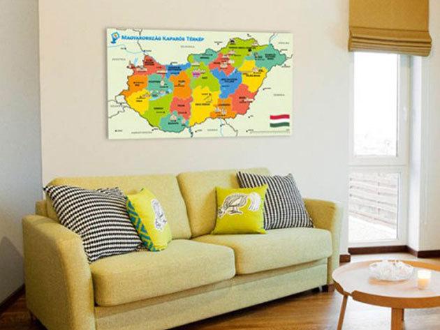 Kaparós térképek a kirándulások, utazások mutatós dokumentálására - színes területekkel és piktogramokkal