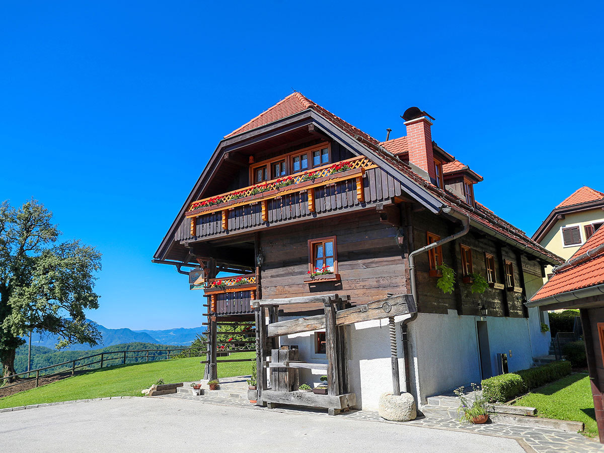 Szlovénia, Šentrupert, Na Skaluc*** szállás 2 éjszakára rusztikus szobában vagy faházban reggelivel, 2 fő részére / különleges nyári élmények a természet közelében
