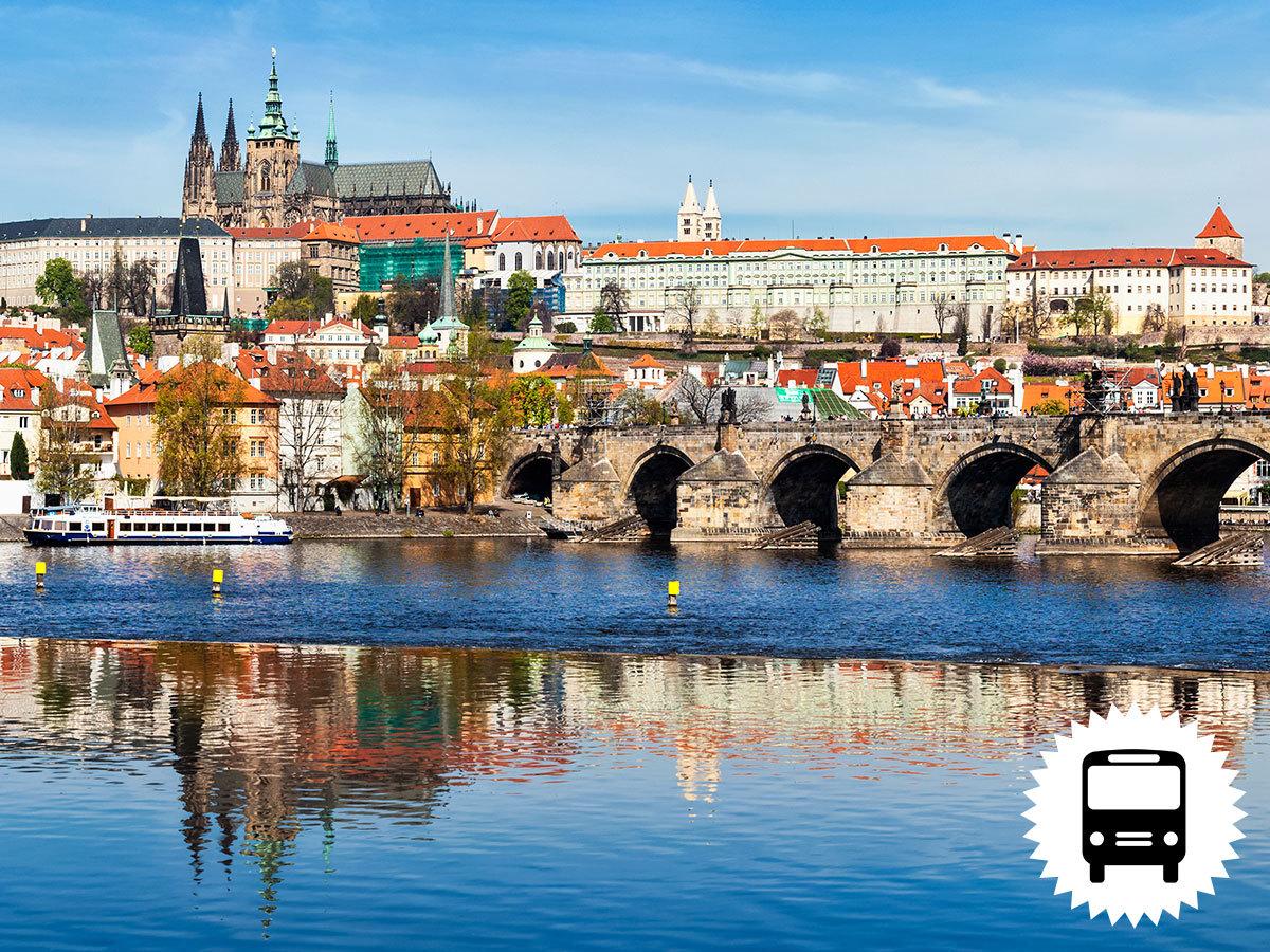 Prágai képeslap, non-stop buszos kirándulás Csehország fővárosába városnézéssel, fakultatív hajózással a Moldván / fő