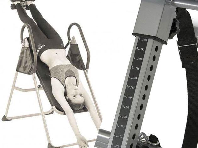 Gravitációs gerincnyújtó pad, mely javíthatja a testtartást, enyhítheti a derékfájást, nyaki fájdalmakat és a hátfájást
