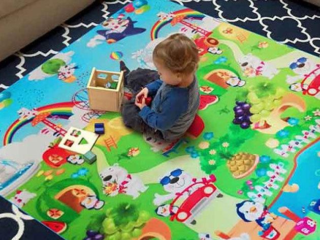 Játszószőnyeg 150x180 cm kül-és beltéri használatra, alsó alu borítással, strapabíró mosható anyagból