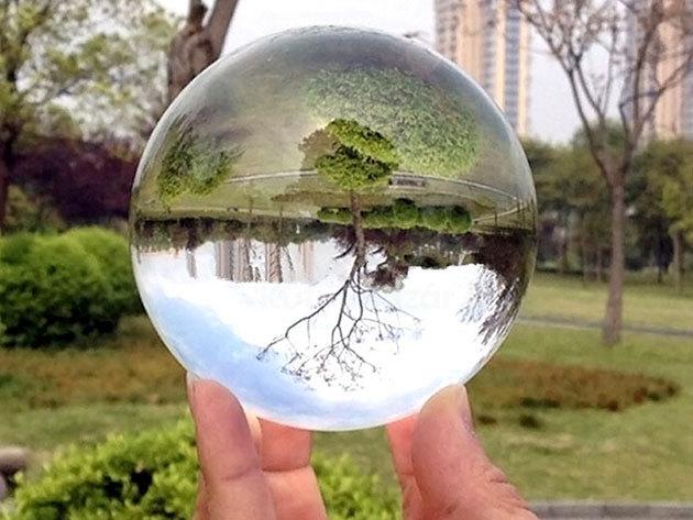 Fotós üveggömb, melyen keresztül a legelcsépeltebb témák is izgalmasnak hatnak