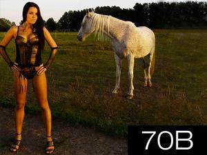 Termek_fekete_70b_middle