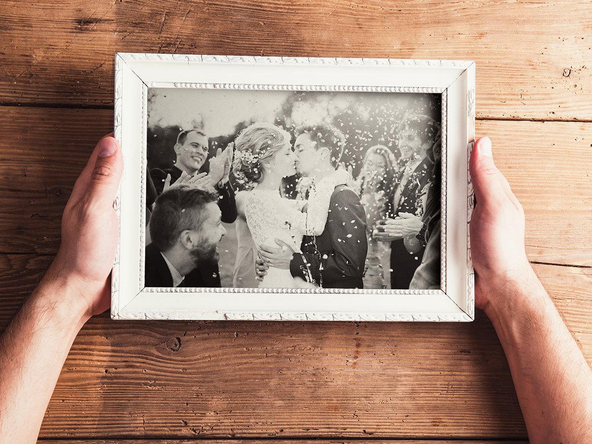 Házassági időutazás profi fotókon, a régi esküvői és családi képek alapján akár 6 fő részére, műteremben vagy szabadtéren
