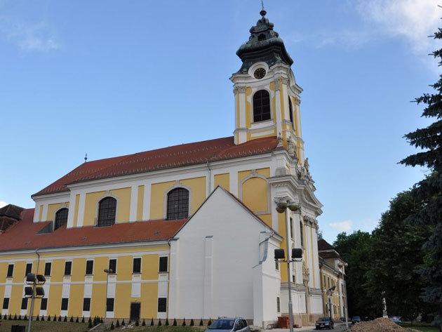 2018.12.16. (vasárnap) Adventi buszos kirándulás Burgenlandban csokigyár látogatással és Eisenstadt-i városnézéssel, idegenvezetéssel / fő