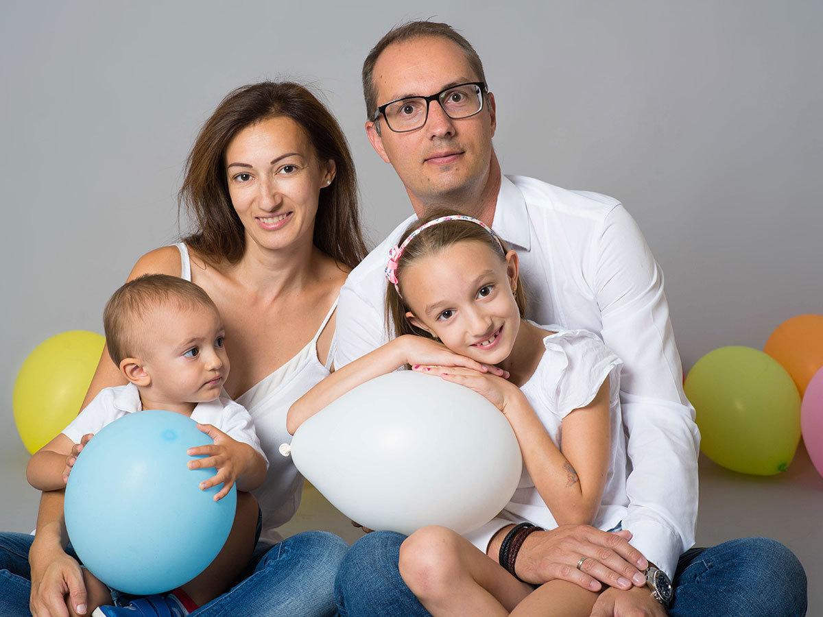 Családi fotózás 4 főre (2 felnőtt+2 gyerek) Egy órás fotózás 80-120 db nyers, 6 db retusált kép