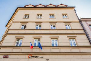 Prague_hotel_petit_42_middle