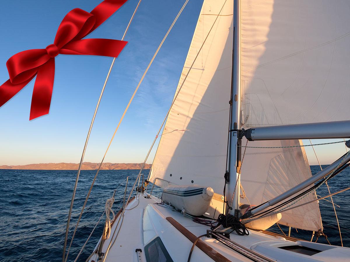 Balatoni vitorlázás - ajándékozz élményt! Túrák májustól szeptemberig: fürdőzés, kaland vagy romantika... / Yacht Balaton Rent