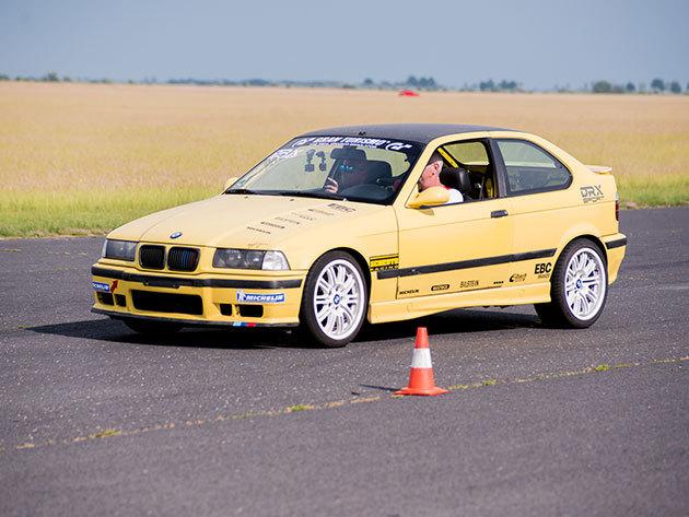 BMW M Compact + Forma Renault CSOMAG 1+3 kör / fő