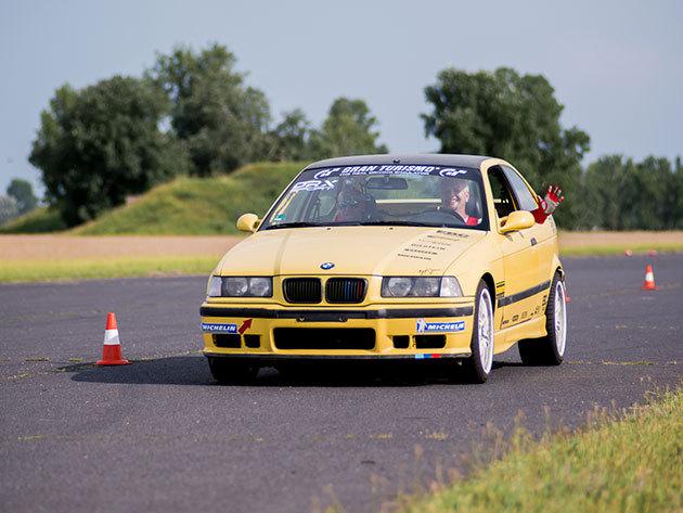 BMW M Compact + Forma Renault CSOMAG 1+4 kör / fő