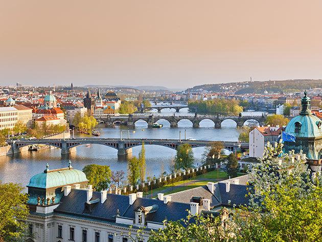 2 napos kirándulás Prágában, busszal,idegenvezetővel, 1 éjszaka szállással és reggelivel a március 15.-ei hosszú hétvégén / fő