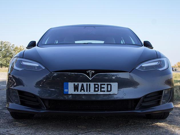 Városi vezetés egy Tesla modell S 85 D-vel - 60 perc