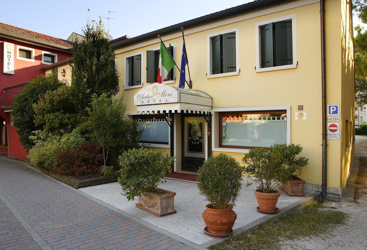 2020.03.31-ig hétköznapi ajánlat: 3 nap 2 éj 2 fő részére Deluxe szobában reggelivel 2 Casino jegy Velencébe vagy Mestre-be