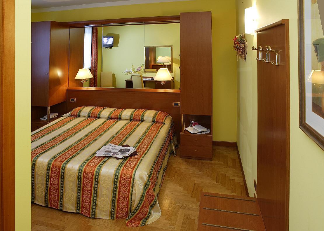 Hotel Antico Moro*** Velence 5 nap 4 éjszaka 2 fő részére Deluxe szobában reggelivel  2 Casino jegy Velencébe vagy Mestre-be (Hétvégén)