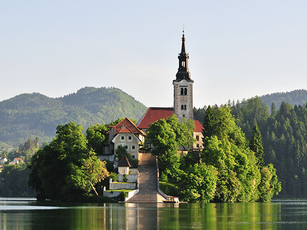 """2020. október 03-04. (szo-va) Kikapcsolódás Európa """"Zöld szívében"""", a Bledi-tóra panorámás reggelivel és vacsorával (2 nap 1 éj, busszal) / fő"""