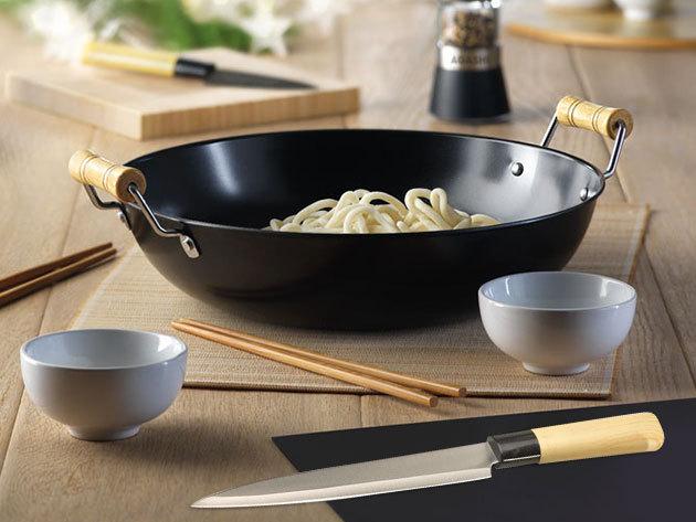 Wok tál evőpálcikákkal, japán késkészlet, valamint fűszer- és sajt vágó kés bambusz vágódeszkával