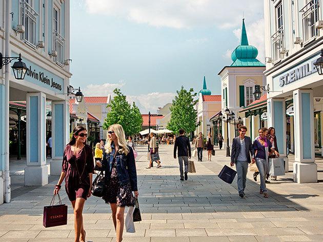 Designer Outlet Parndorf és a Primark -  Karácsony előtti nagy shopping túra Bécs környékén / fő  - 2019.11.16.