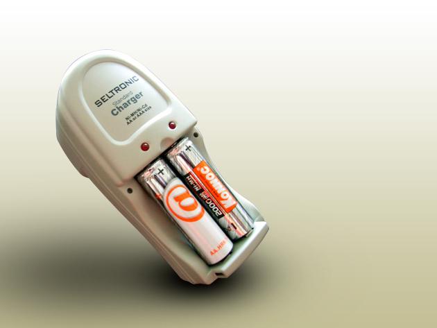 Seltronic KCR-T02AA akkumulátor töltő + 2 db Konnoc Ni-Mh 2.000 MAh akkumulátor
