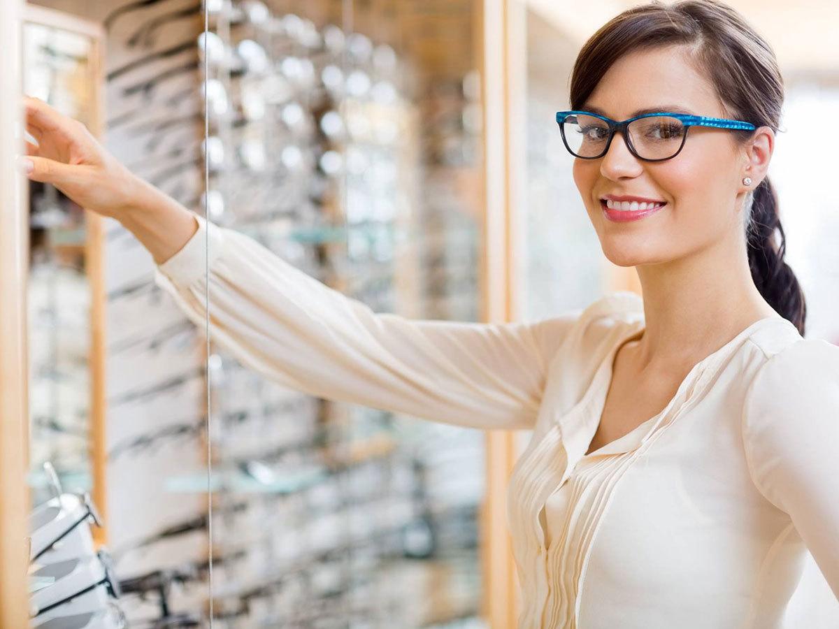 Monitorszűrős komplett szemüveg tokkal, törlőkendővel