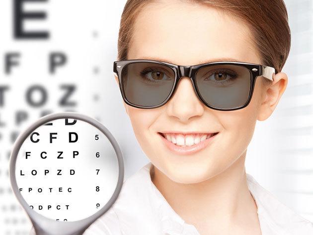 Komplett szemüveg: fényre sötétedő lencse szemüvegkerettel, látásvizsgálattal, a Premium Optikában / III. ker.