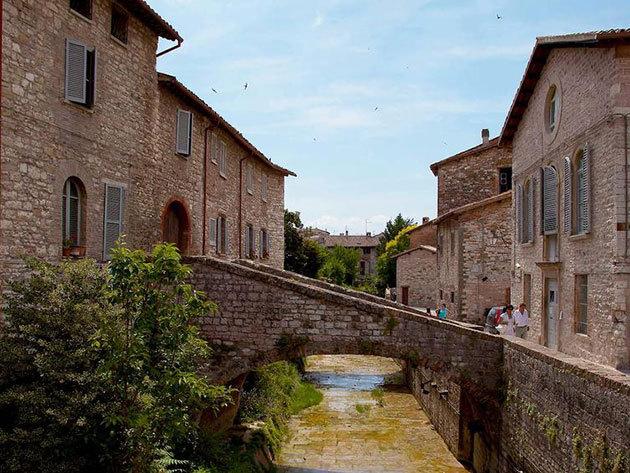 Közép-Olaszország, szállás 4 nap/3 éjszakára 2 fő részére félpanziós ellátással - Sporting Hotel Gubbio