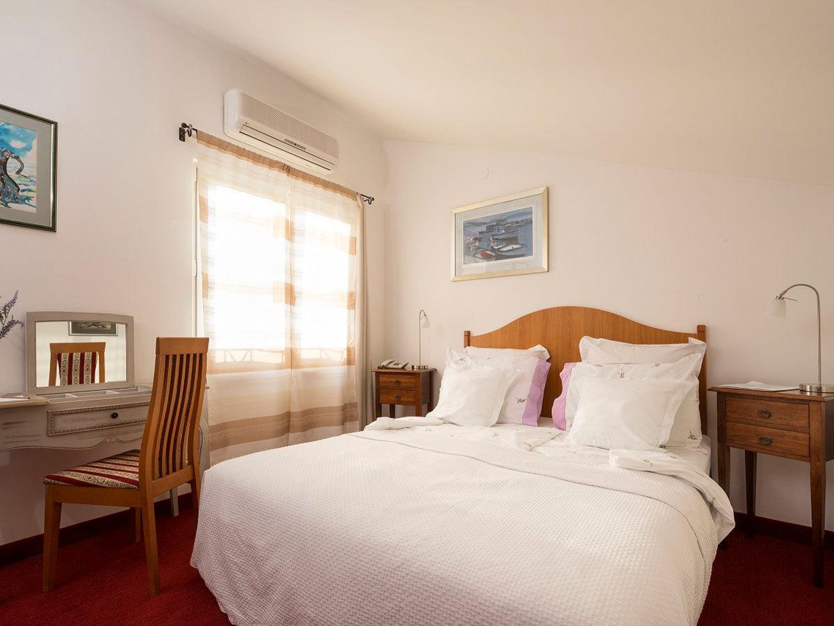 2019.07.05.-09.01. között: Horvátország, Rovinj Hotel Vila Lili *** 6 nap 5 éjszaka  2 főnek