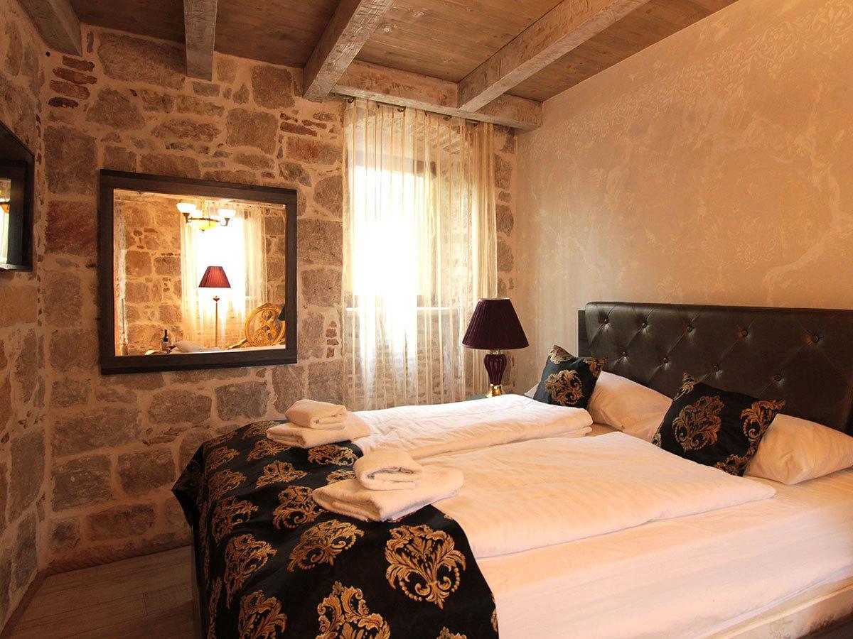 2019.04.01-től 2019.05.31-ig; 2019.10.01-2019.10.31 Split, Horvátország – Heritage Palace Varos **** 6 nap 5 éjszaka 2 fő részére