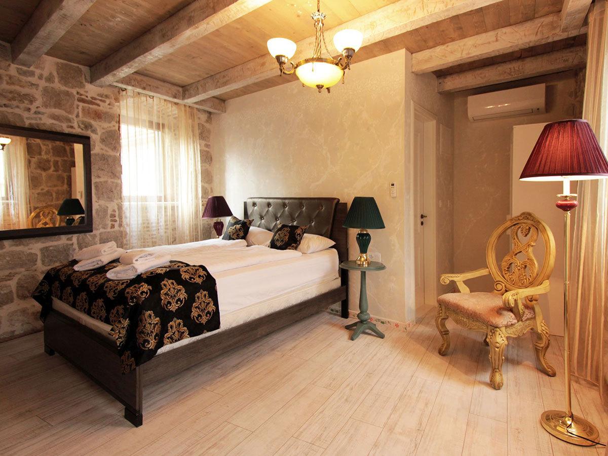 2019.06.01-től 2019.09.30-ig Split, Horvátország – Heritage Palace Varos **** 4 nap 3 éjszaka 2 fő részére