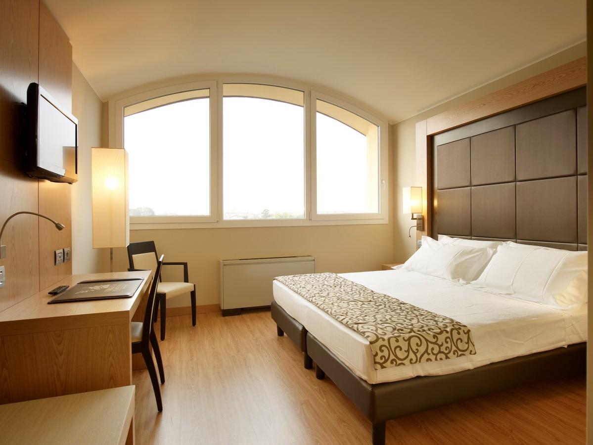 2019.04.01-től 12.19-ig: Milánó - Virginia Palace Hotel **** 4 nap 3 éjszaka 2 fő részére reggelivel