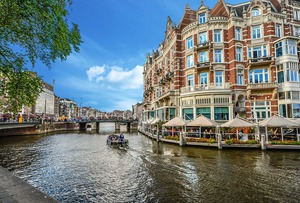 Amsterdam-2203076_960_720_middle