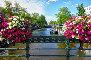 Canal-2817751_960_720_middle