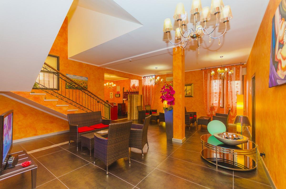2019.05.30.-tól 2019.06.19.- ig között: Hotel Villa Del Mare*** Bibione 4 nap 3 éj 2 fő részére reggelivel