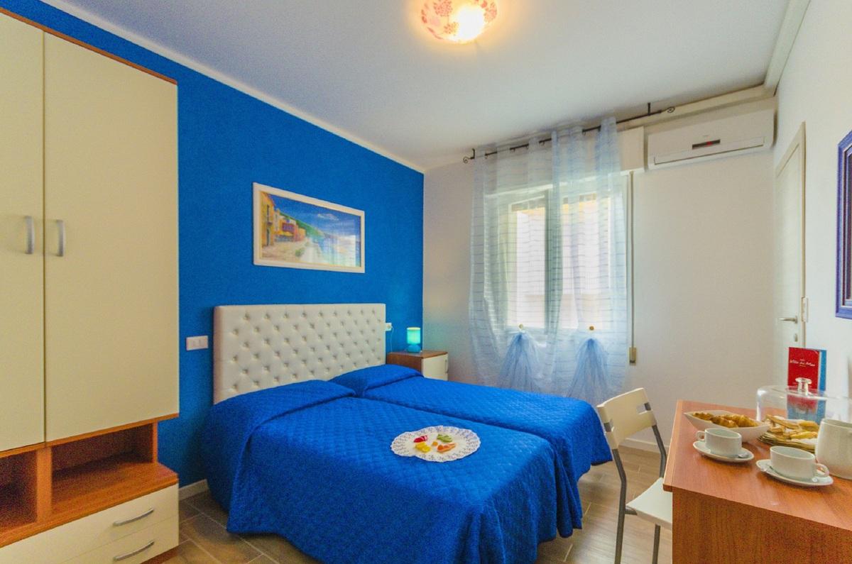 2019.07.27-2019.08.17 között: Hotel Villa Del Mare*** Bibione 4 nap 3 éj 2 fő részére reggelivel