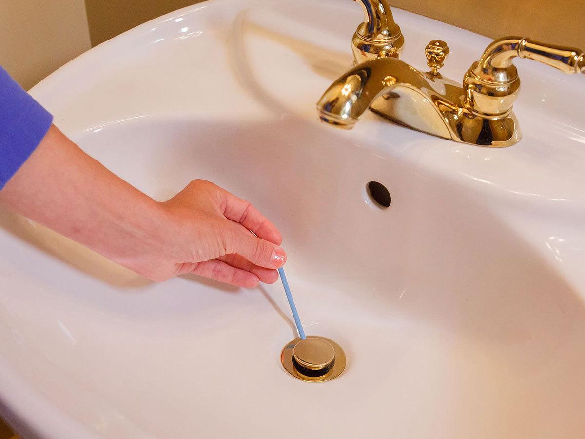 Lefolyótisztító pálcika a víz akadálymentes elfolyásáért, dugulás és kellemetlen szagok ellen - oldja a zsíros lerakódásokat
