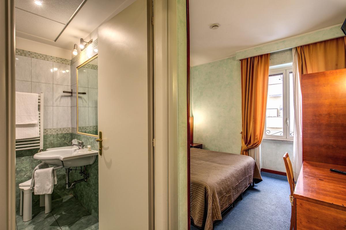 2019.12.28-tól 2020.01.02.-ig ÚJ ÉV RÓMÁBAN! Róma Il Romoli Hotel*** 4 nap 3 éjszaka reggelivel 2 fő részére