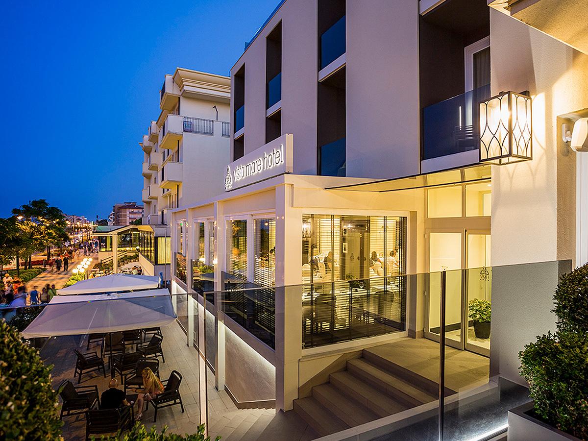 Cesenatico - Luxus nyaralás a csodálatos olasz tengerparton - Hotel Vista Mare & SPA**** 5 vagy 7 éjszaka 2 fő részére félpanzióval és wellness használattal