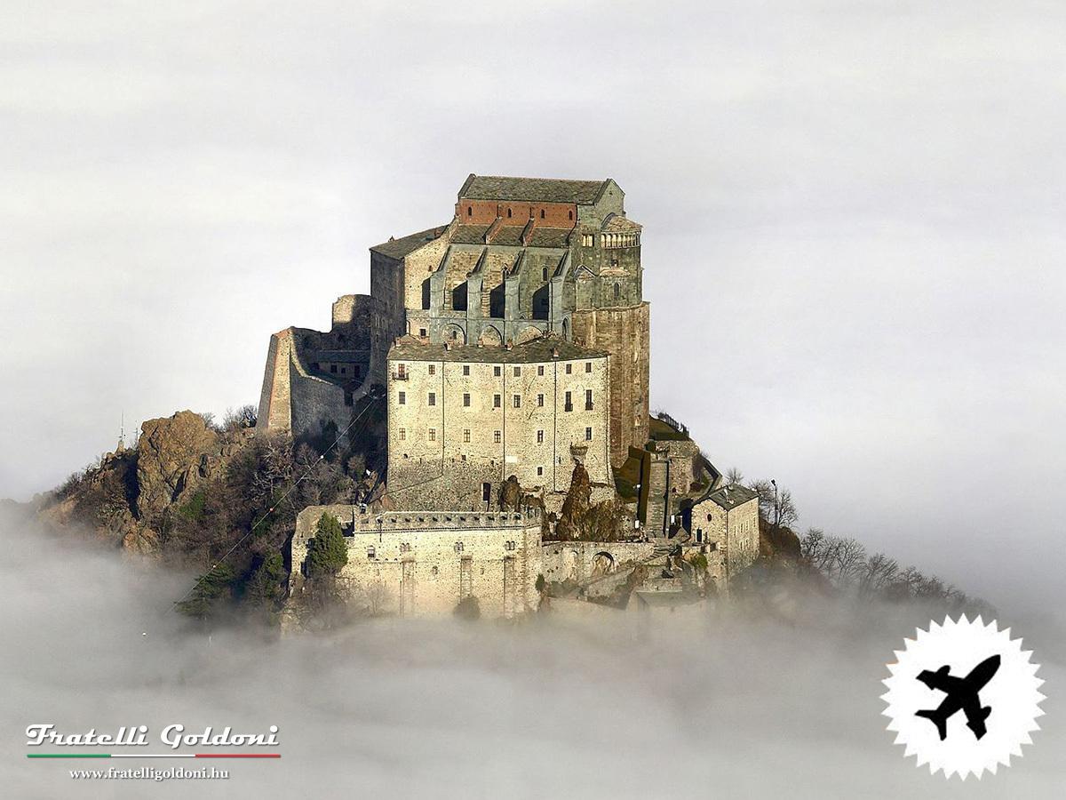 A RÓZSA NEVE… SAN MICHELE - Piemonte és Torinó legszebb kastélyai / 4 teljes nap, 3 éjszaka, repülővel, privát idegenvezetővel, helyi transzferekkel, kirándulásokkal, reggelivel