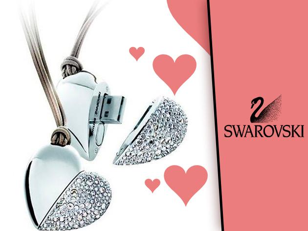 Swarovski kristállyal díszített szív pendrive, amit medálként is viselhetsz!