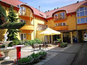 Atrium-hotel-szallas-harkany_middle