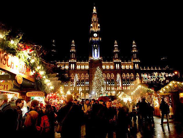 2019.12.08.. Adventi program: karácsonyi vásár Bécsben, útközben csokikóstolással és Schönbrunni kastély látogatással / fő