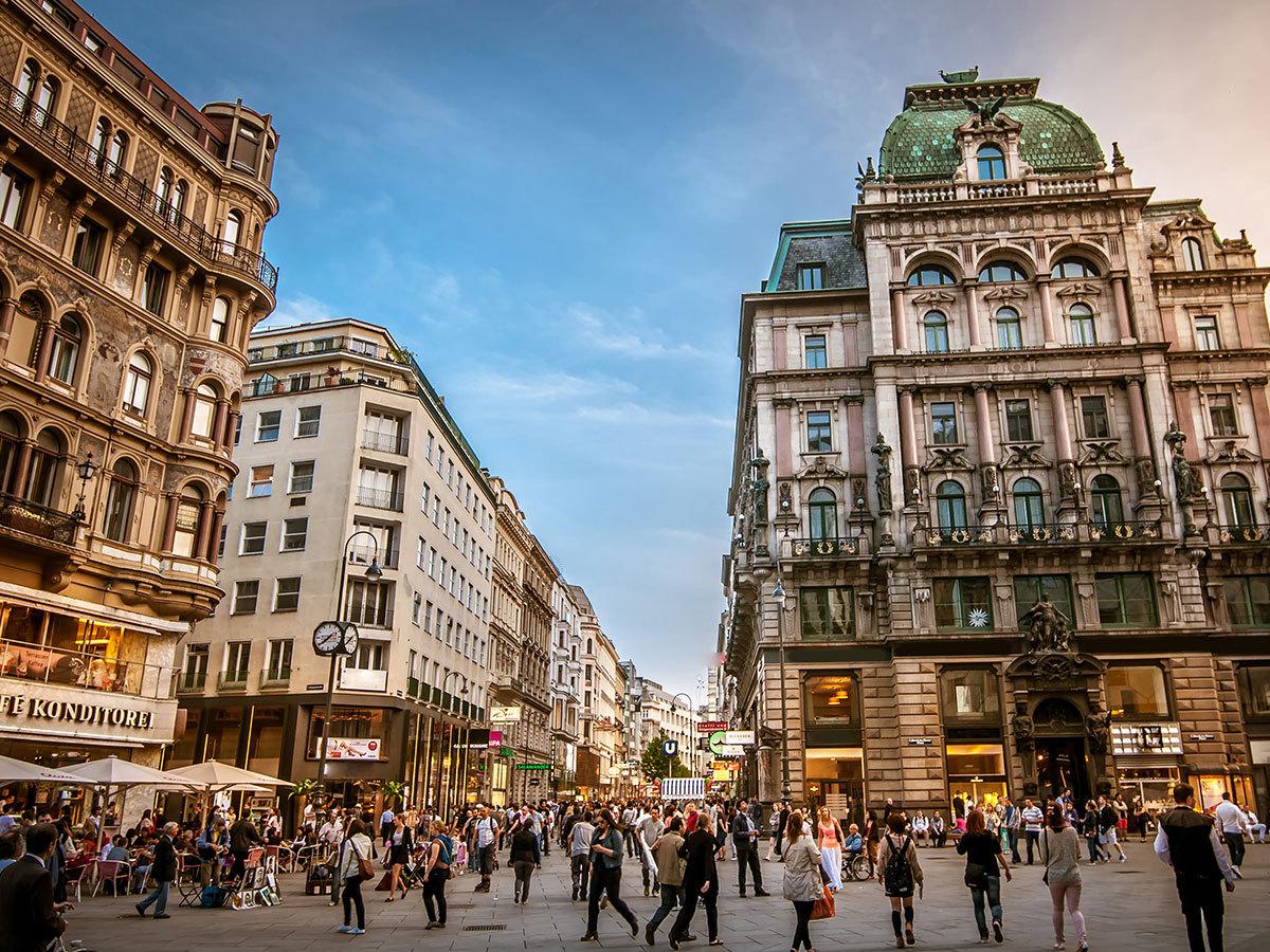 Bécs  - szállás 2 nap/1 éjszakára 2 fő részére reggelivel / Star Inn Wien Schönbrunn