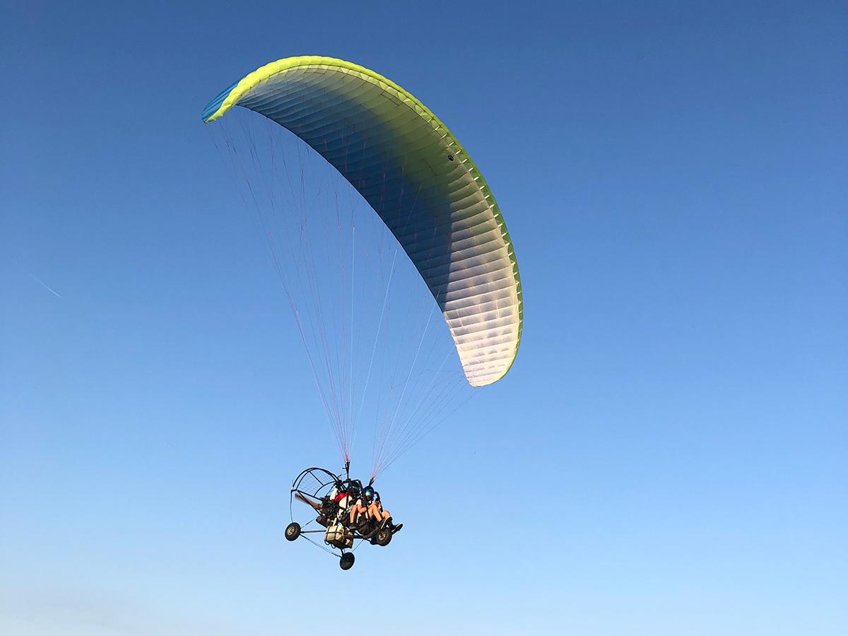 Motoros siklóernyő sétarepülés Dunakeszi-Vác térségében - 10/25/30 perc szárnyalás a magasban