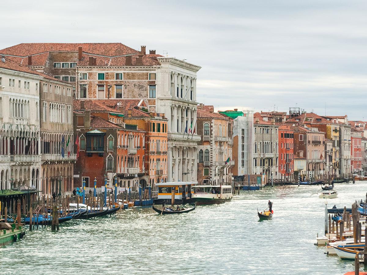 Hotel Antico Moro*** Velence (Mestre) szállás 3 nap 2 éjszakára 2 fő részére reggelivel + Casino jegy