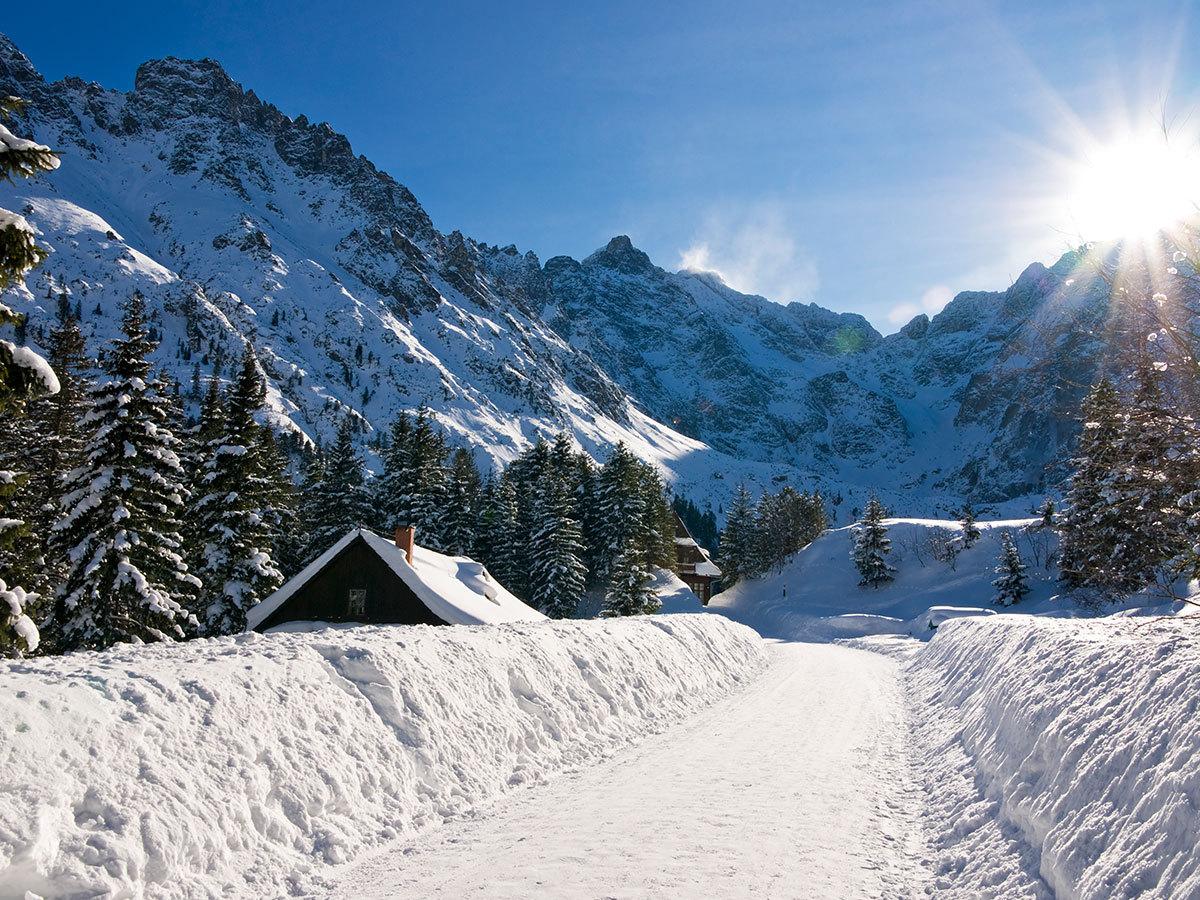 Hotel Avalanche*** - Kikapcsolódás és wellness Szlovákiában a Csorba-tónál! Szállás 2 fő részére, félpanziós ellátással és további extrákkal, 15 km-re a Popradi Aquaparktól!