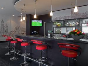 Hotel_krakow_efekt_express_bar_w_lewo_middle