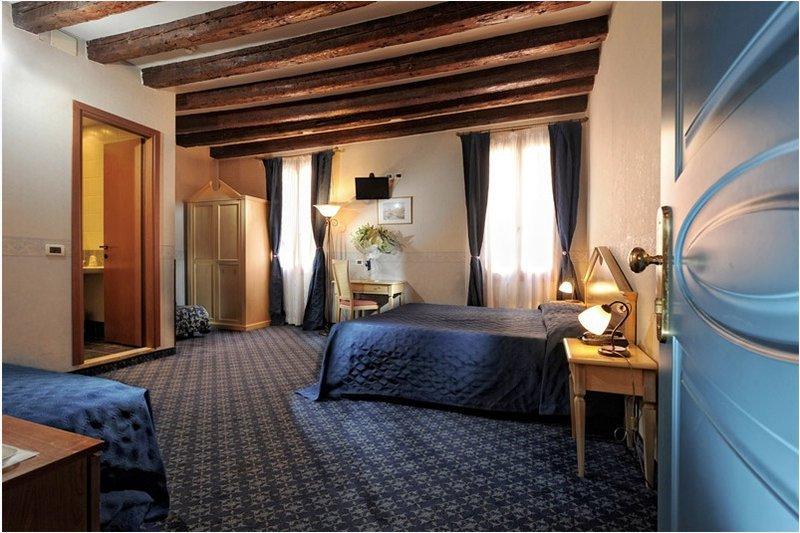 Elő- és utószezon - 3 nap 2 éjszaka 2 fő részére reggelivel és belépő a velencei Casino-ba (Hétvégén: P-V)