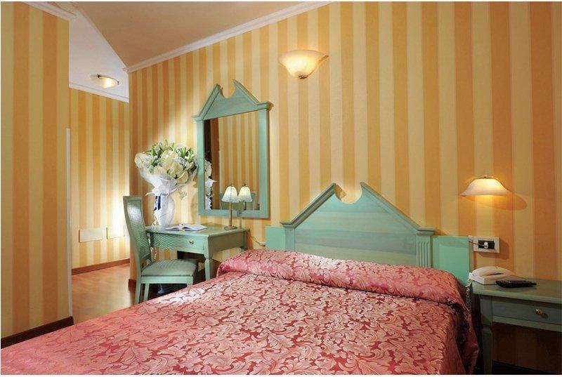 Középszezon - 3 nap 2 éjszaka 2 fő részére reggelivel és belépő a velencei Casino-ba (hétköznap Hé-Csüt)