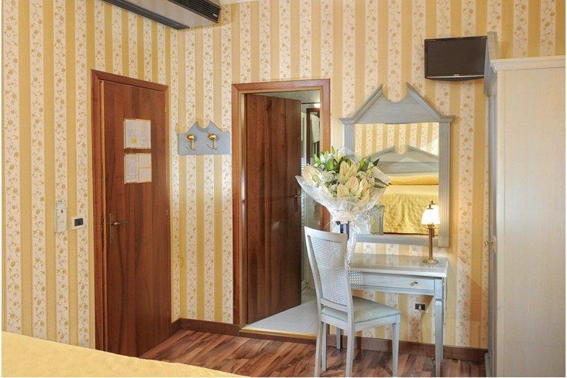 Középszezon - 4 nap 3 éjszaka 2 fő részére reggelivel és belépő a velencei Casino-ba (hétköznap Hé-Csüt)
